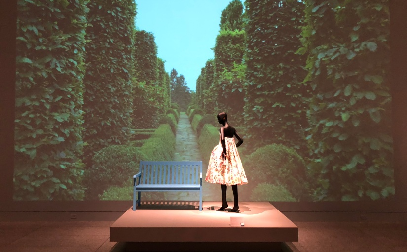 The Glamour and Romance of Oscar de la Renta Exhibit @MFAH  | Full Circle